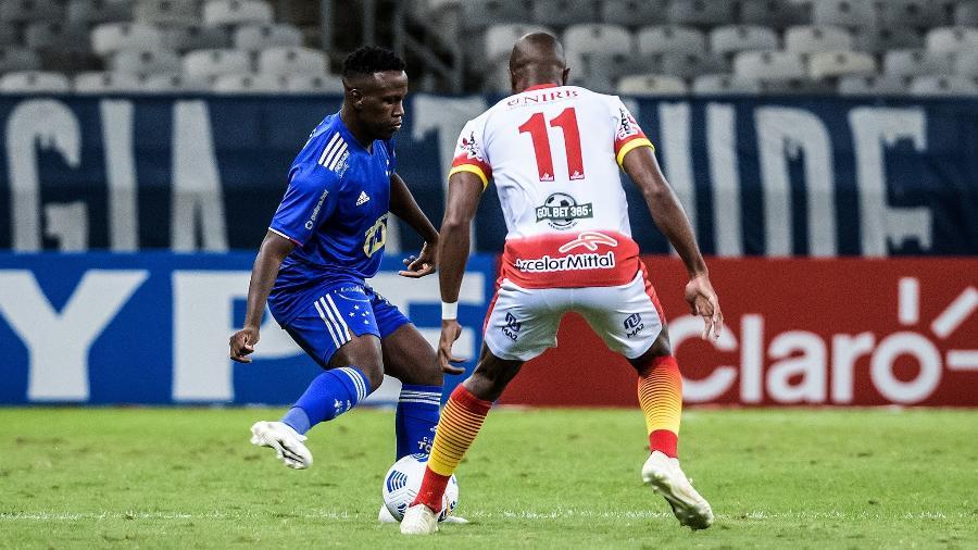 Lateral Klebinho fez sua estreia pelo Cruzeiro na partida contra a Juazeirense, pela Copa do Brasil - Gustavo Aleixo