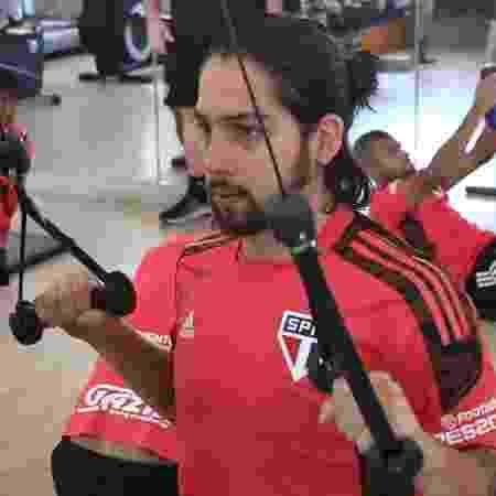 Martin Benítez e jogadores do São Paulo trabalham na academia do hotel em Fortaleza, após empate com Ceará - Rubens Chiri/São Paulo FC - Rubens Chiri/São Paulo FC