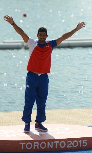 3) O canoísta cubano Jorge Garcia está empatado com De Lucca: 3 ouros