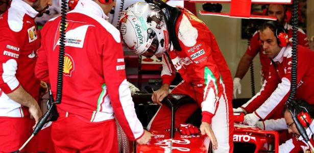 Vettel testa dispositivo nos treinos livres em Silverstone - Charles Coates/Getty Images