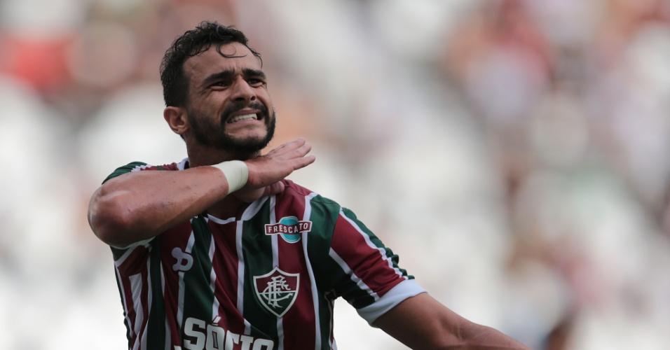 Henrique Dourado marca para o Fluminense no clássico contra o Vasco