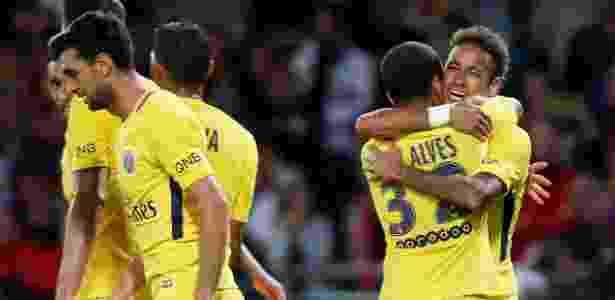 Neymar e Daniel Alves estão entre os concorrentes - Xinhua/Rex Shutterstock/ZUMAPRESS