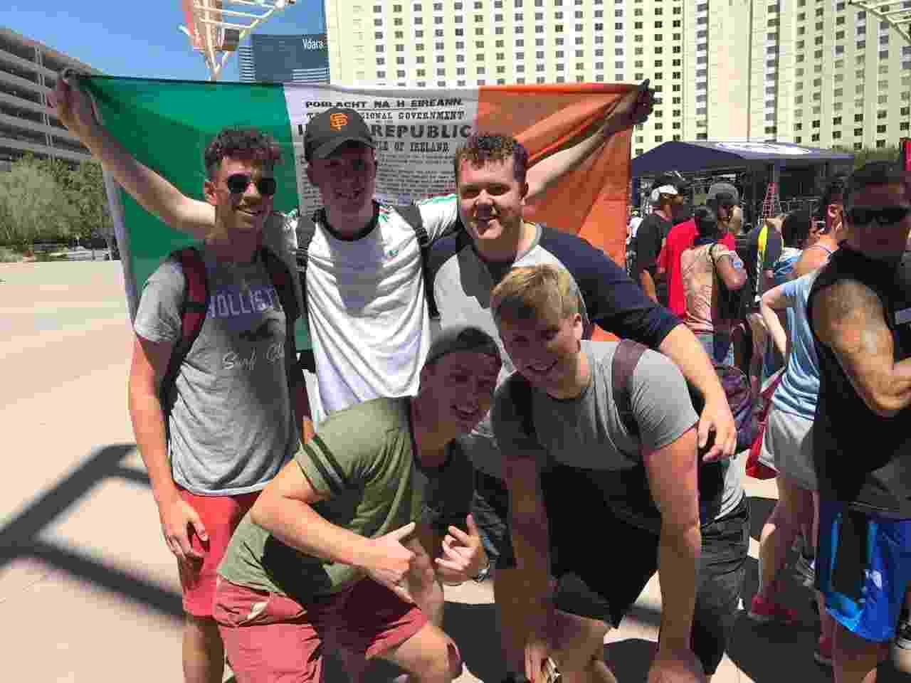 Torcedores irlandeses já estão em Las Vegas para torcer por Conor McGregor - Jorge Corrêa/UOL