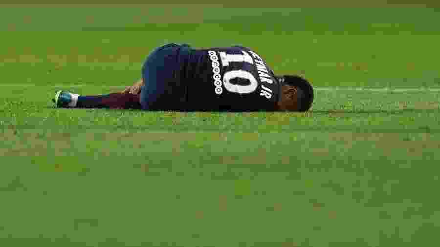 """Neymar sofreu com lesões recentes no PSG e revelou que teve """"momentos de questionamento"""" - Franck Fife/AFP"""