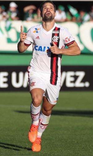 Diego comemora gol que deu a vitória ao Flamengo sobre a Chapecoense