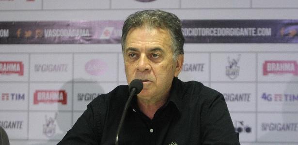 Diretor executivo do Vasco, Paulo Pelaipe, justificou saída de Nenê para o São Paulo