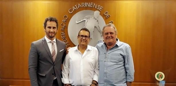 Rubens Angelotti (centro), presidente da Federação, busca a reeleição
