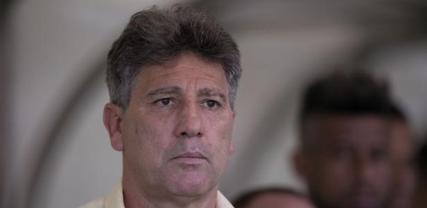 Renato Gaúcho, técnico do Grêmio, tenta evitar desmobilização em reta final do ano