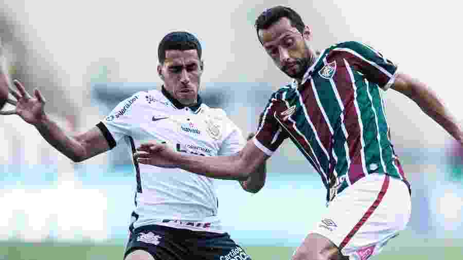 Gabriel recebeu cartão amarelo com três minutos de jogo contra o Fluminense, ontem (13), no Maracanã - Jorge Rodrigues/AGIF