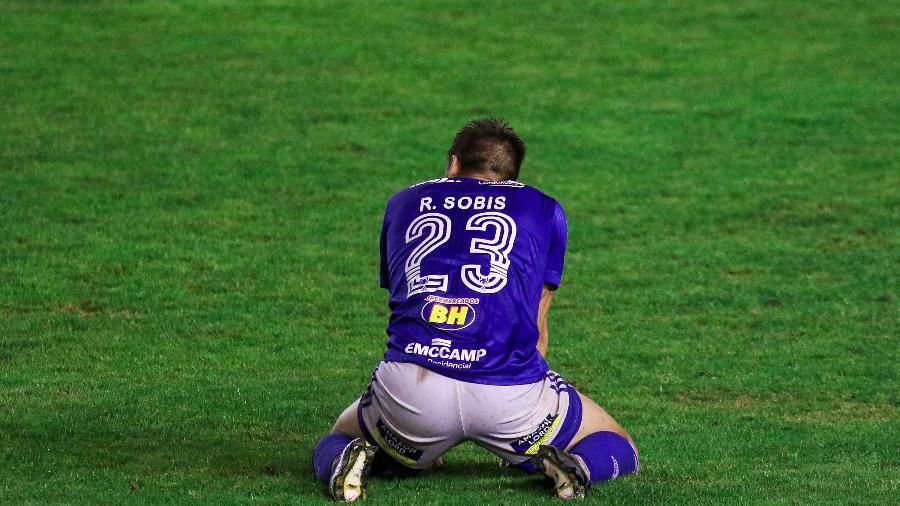 Gol de pênalti do Juventude sacramentou a permanência do Cruzeiro na Série B - Fernando Alves/AGIF