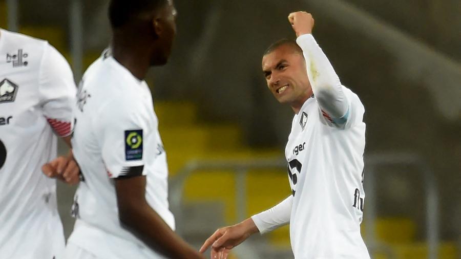 Yilmaz comemora um dos gols do Lille contra o Lens, pelo Campeonato Francês - FRANCOIS LO PRESTI/AFP