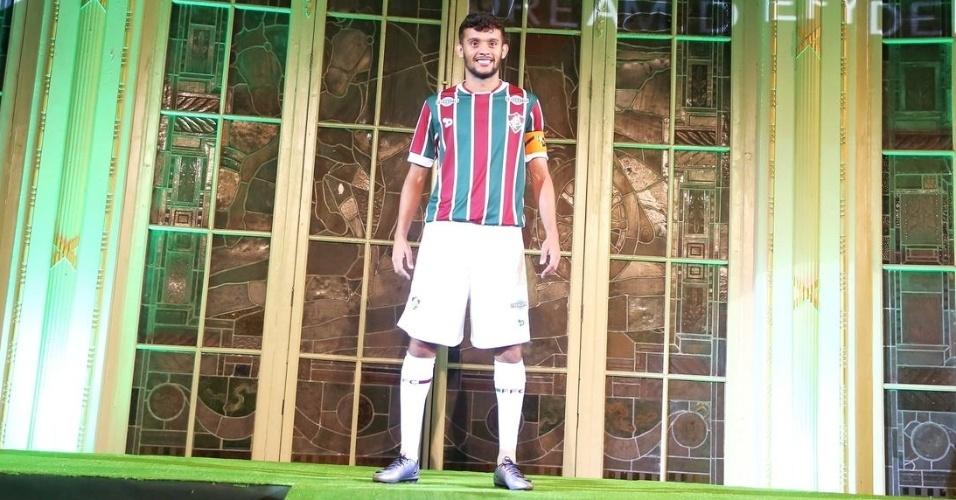 Gustavo Scarpa ganhou a responsabilidade de utilizar a tradicional camisa tricolor