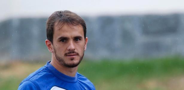 Lucas foi aprovado nos exames do Cruzeiro e já treinou com os novos companheiros