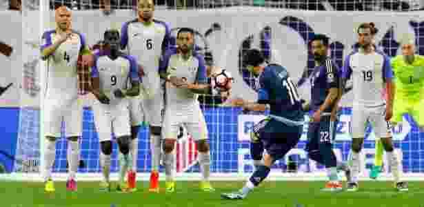 De falta, Messi fez 2 a 0 para a Argentina e, de quebra, bateu recorde - Bob Levey/Getty Images/AFP