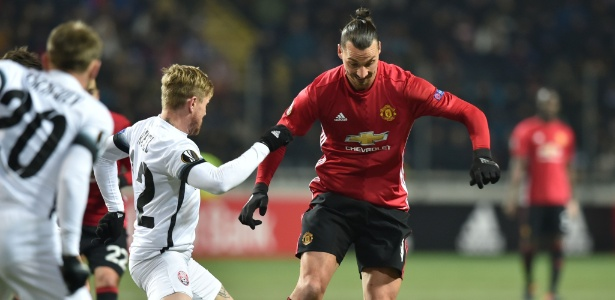 Ibrahimovic fechou o placar com um gol no fim do segundo tempo