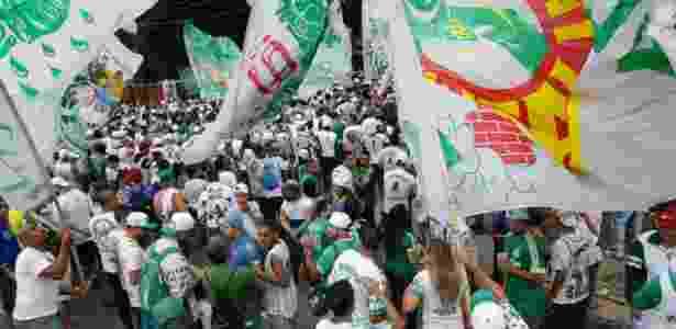 Reaproximação entre Palmeiras e Mancha Verde preocupa oposição do clube 2f7a9c3aa1ac4