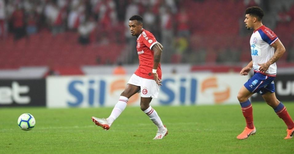 Edenílson, durante partida entre Inter e Bahia