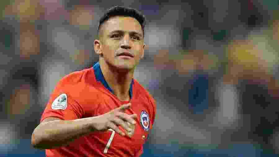 Alexis Sánchez comemora após marcar para o Chile contra a Colômbia - Marcello Zambrana/AGIF
