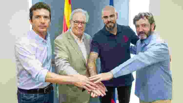 Valdés na apresentação de técnico das divisões de base - FC Barcelona/Divulgação