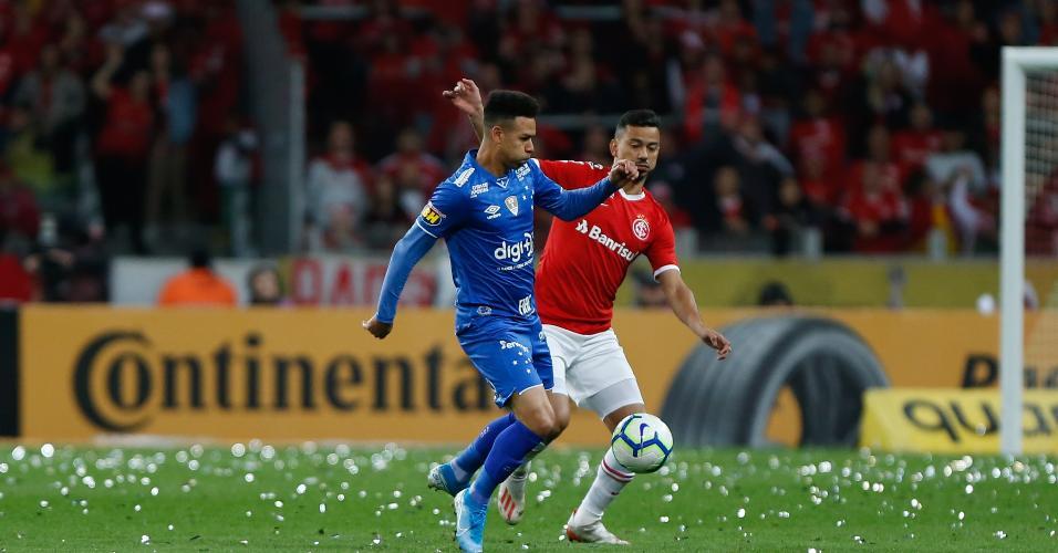 Rodrigo Lindoso e Marquinhos Gabriel, durante partida Internacional x Cruzeiro