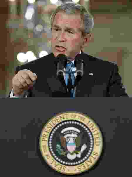 """""""É hora de os Estados Unidos examinarem seus trágicos fracassos"""", disse o ex-presidente - REUTERS/Jim Young"""