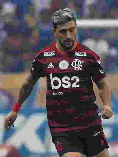 Arrascaeta, jogador do Flamengo, durante partida contra o Cruzeiro - Fernando Moreno/AGIF