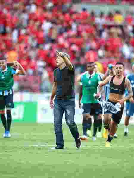 Renato Gaúcho e jogadores do Grêmio comemoram vitória em Gre-Nal no Beira-Rio - Lucas Uebel/Grêmio FBPA
