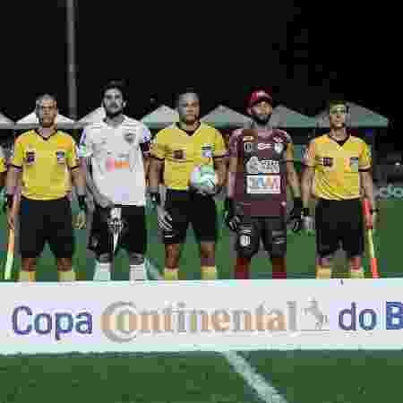Igor Rabello e Wallef, os capitães de Atlético-MG e Afogados ontem - Bruno Cantini/Agência Galo