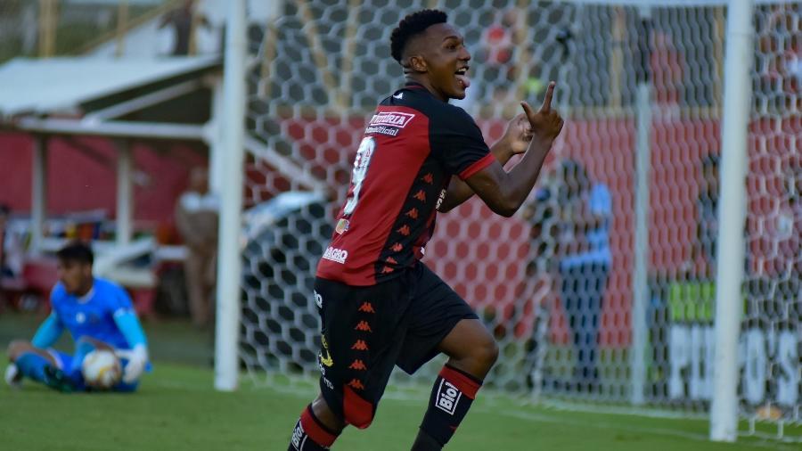 Eronildo comemora gol do Vitória em duelo com o Bahia pelo Estadual - Pietro Carpi / EC Vitória