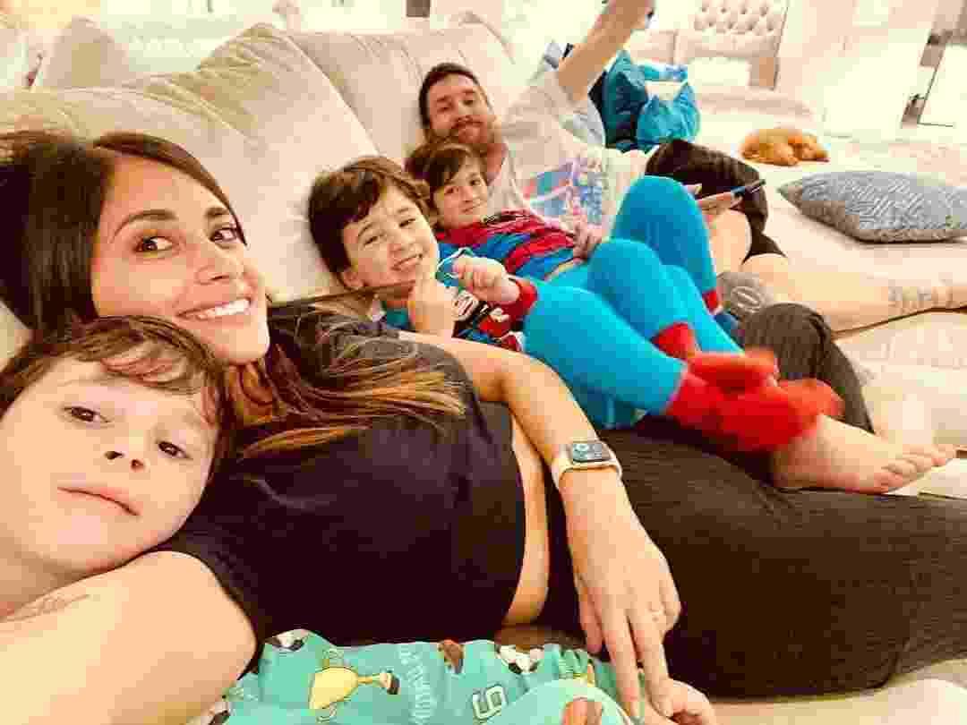 Lionel Messi acompanhado de sua família  - undefined