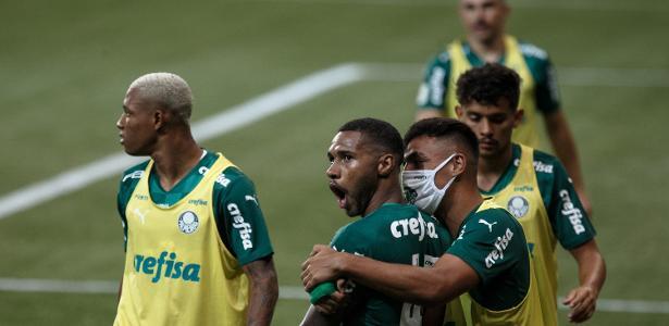 Palmeiras: Abel diz que elenco campeão o faz compensar saudades da família