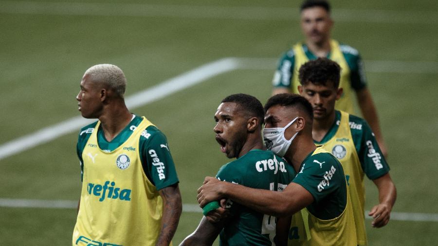 Jogadores do Palmeiras comemoram gol diante do Grêmio, pela final da Copa do Brasil - Ettore Chiereguini/AGIF