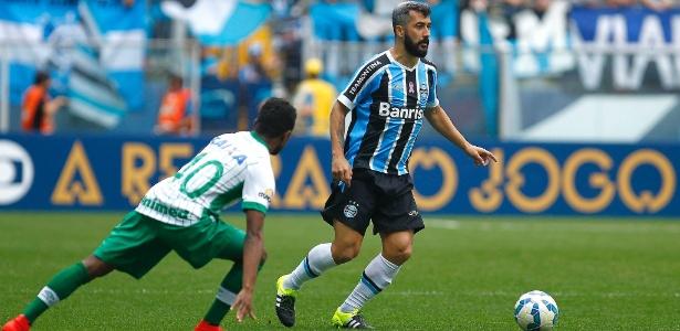 O mea Douglas se apresenta normalmente ao Grêmio nesta quarta-feira