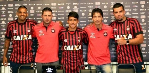 Anderson Lopes (esq.) e André Lima (dir.) são apresentados no Atlético-PR