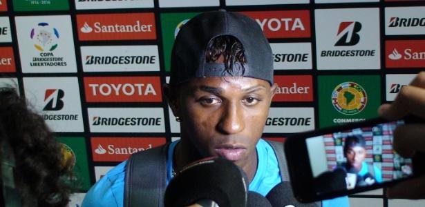 Miller Bolaños concede entrevista após estreia como jogador do Grêmio