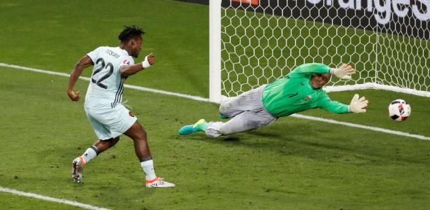 Batshuayi em ação com a seleção da Bélgica na Eurocopa 2016