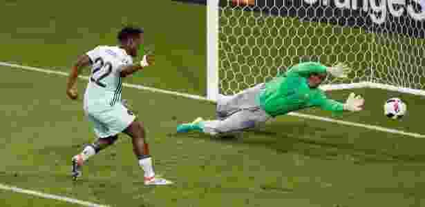 Batshuayi em ação com a seleção da Bélgica na Eurocopa 2016 - Vincent Kessler/Reuters