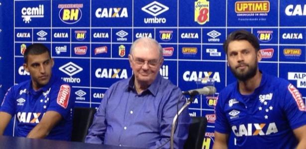 Cruzeiro repete prática de 2013 e apresenta dupla de ataque no Mineirão -  03 07 2016 - UOL Esporte 07f4a682b91fa