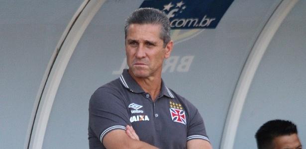 O técnico Jorginho aguarda reforços para a próxima temporada do Vasco