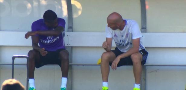 Abner e Zidane, no Real Madrid Castilla: carreira não acabou por força do craque francês