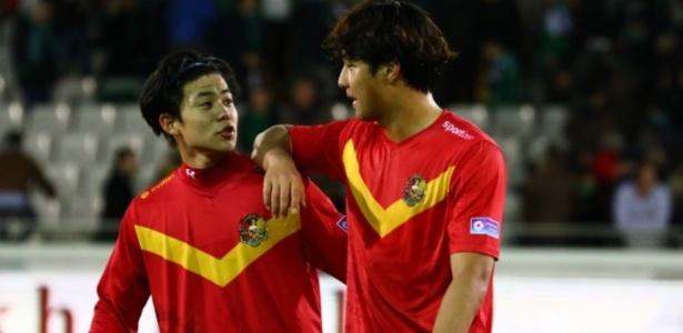 Jogadores asiáticos do Tubize, time comprado por empresa sul-coreana