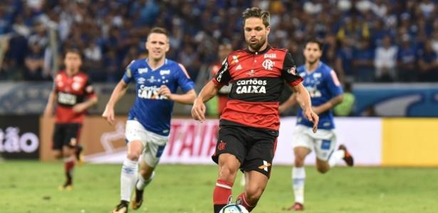 Diego em ação pelo Flamengo; perdeu pênalti em partida decisiva contra o Cruzeiro - André Yanckous/AGIF