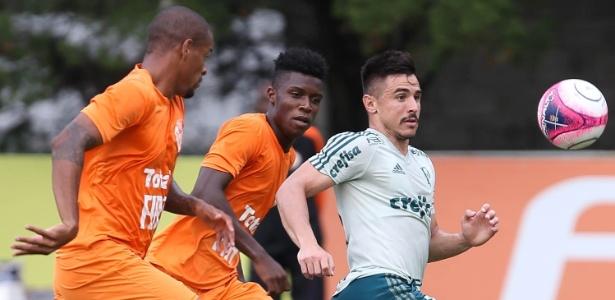 Willian foi o autor do gol do Palmeiras no jogo-treino contra o Atibaia