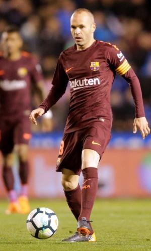 O meia Andrés Iniesta durante a partida contra o Deportivo La Coruña