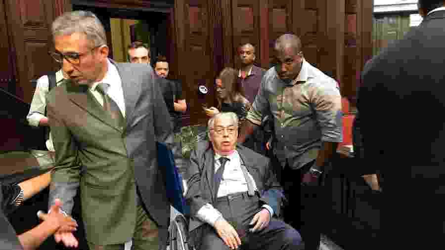 Em cadeira de rodas, Eurico Miranda trava longa batalha contra um tumor e apresenta outros problemas de saúde - UOL