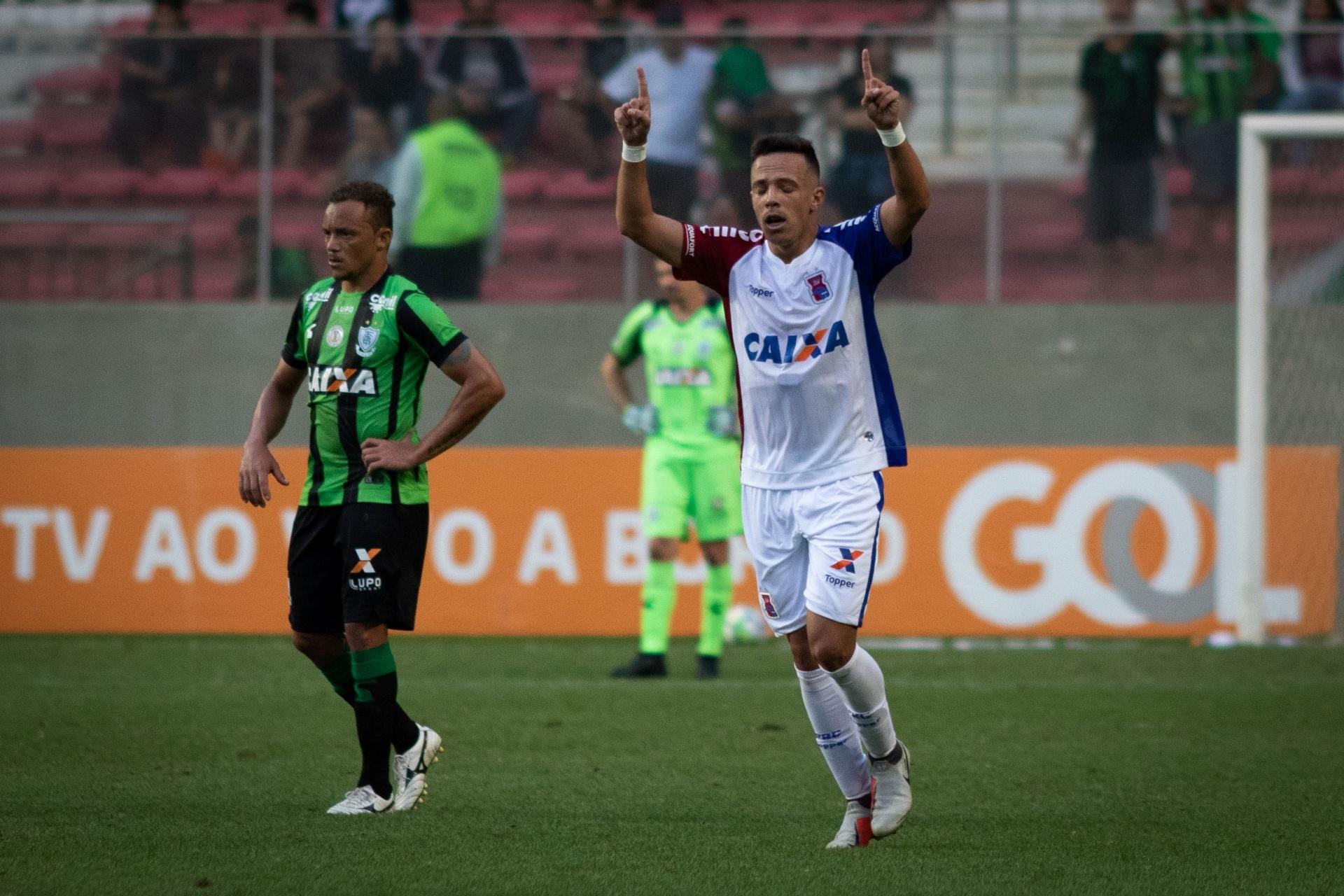 3a10855f08 Paraná vence a primeira no returno