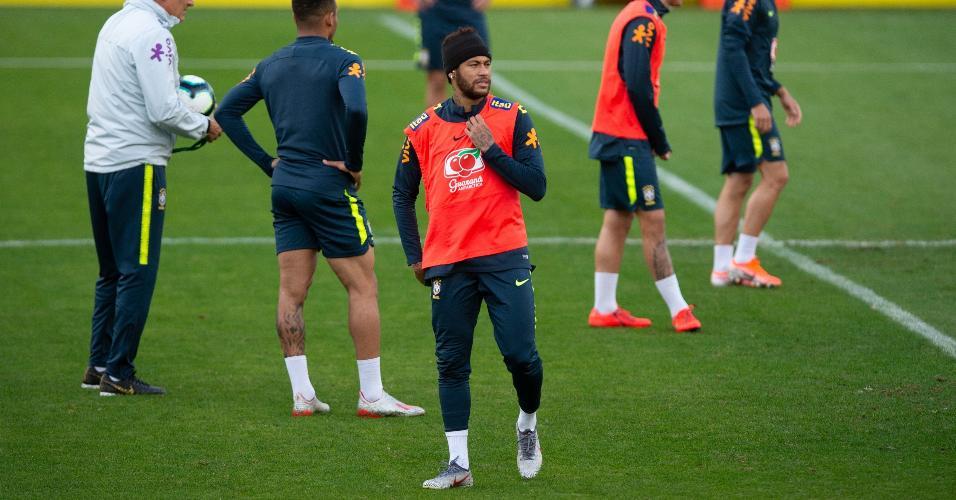 Neymar, durante treino da seleção brasileira