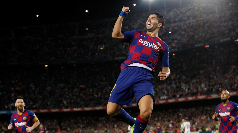Suárez comemora gol do Barcelona contra o Sevilla - REUTERS/Albert Gea