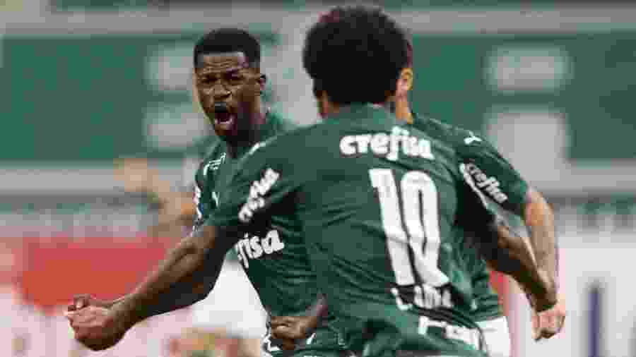 Ramires, do Palmeiras, comemora seu gol contra o Água Santa - Cesar Greco