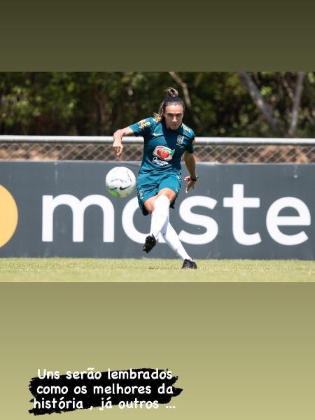 Marta publicou foto em que aparece em um treinamento da seleção brasileira - Reprodução/Instagram